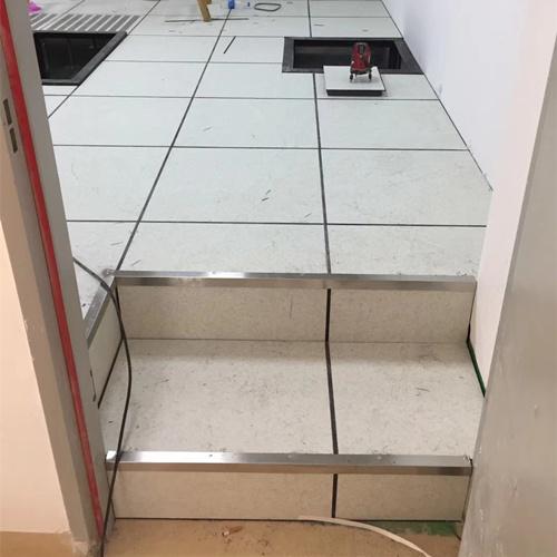 防静电地板台阶效果图