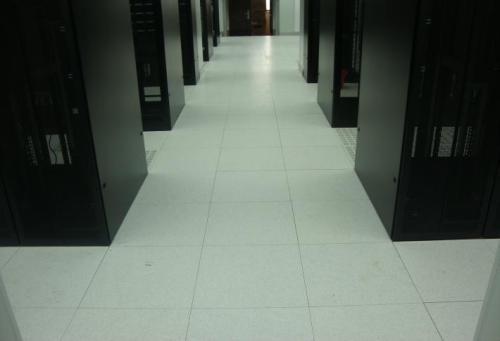 防静电地板地板上如何放置超过物品?