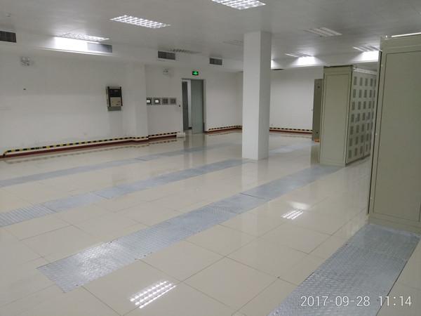 过渡的保护静电地板反而是画蛇添足适得其反