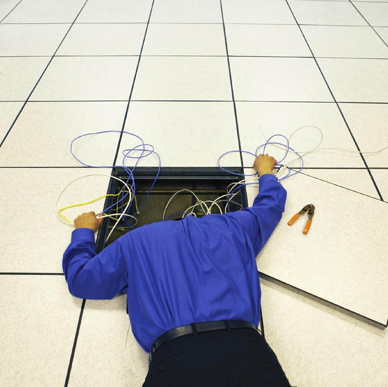 防静电地板底部