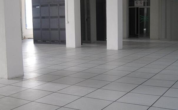 防静电地板如何防静电